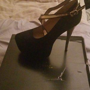 Lala Black/Gold Scene heels